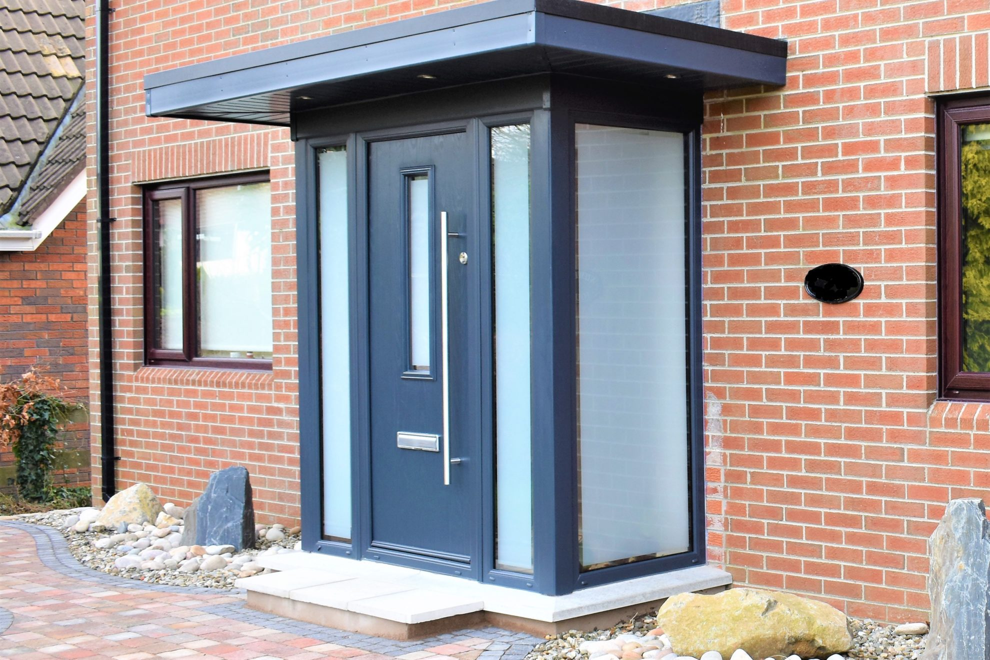 Contemporary conservatory pod porch