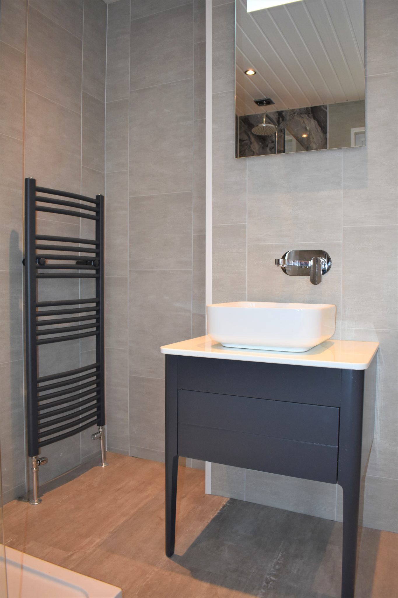 Contemporary vanity unit